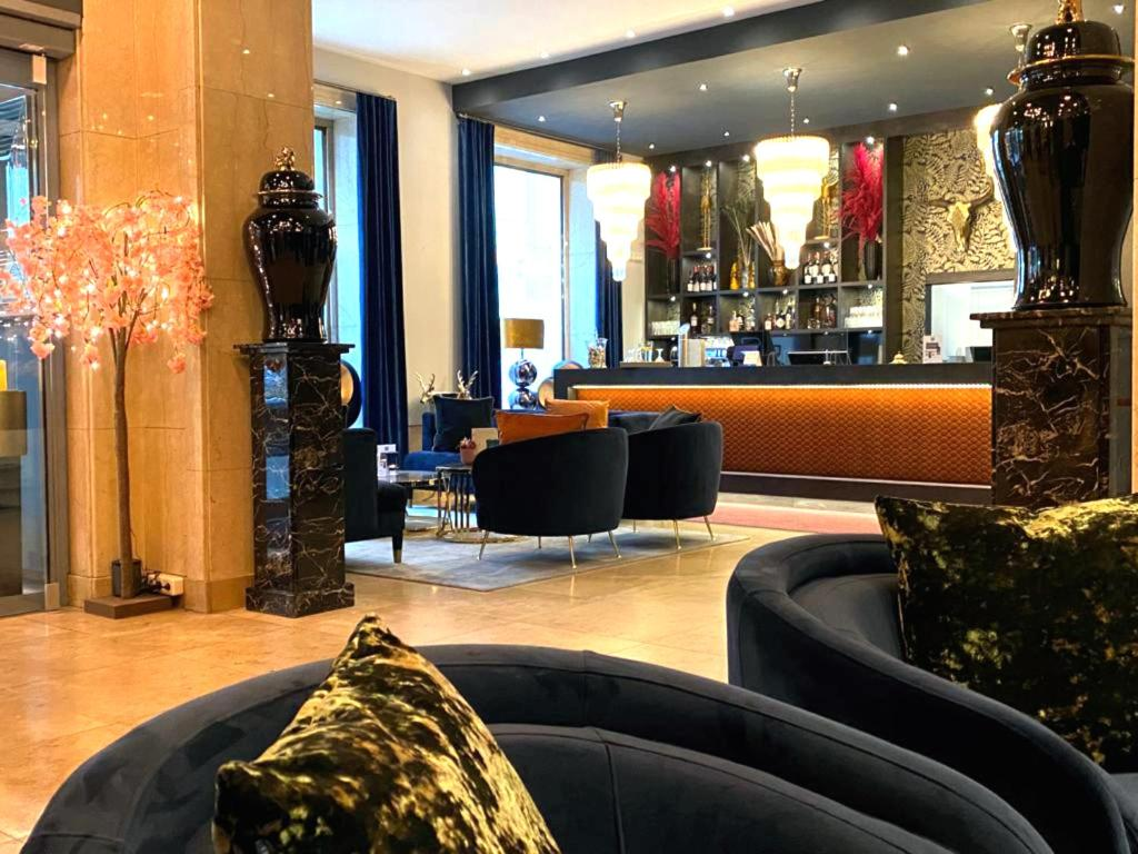 The lounge or bar area at Boutique Hotel Germania