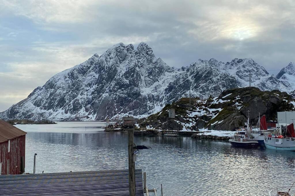 Fil:Klokkarvik, Sund, Hordaland, Norway.jpg