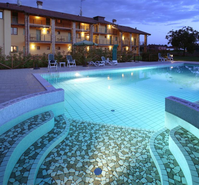 The swimming pool at or near Il Milione Country Hotel