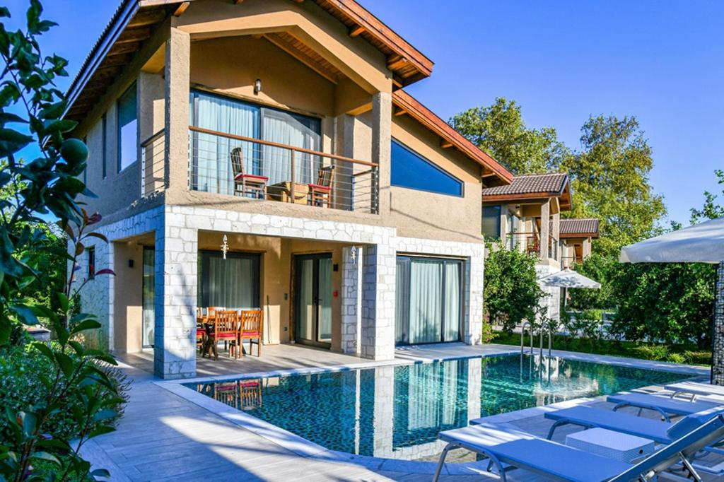 Iskenderun Villa Sleeps 4 with Pool Air Con and WiFi
