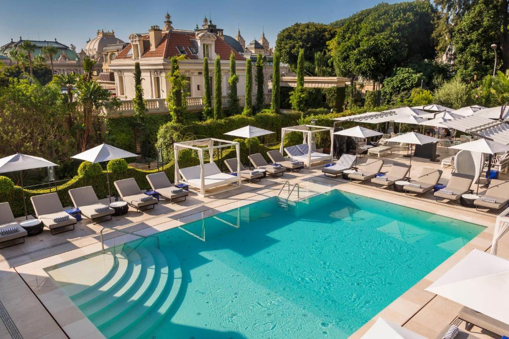 The swimming pool at or near Hotel Metropole Monte-Carlo - The Leading Hotels of the World