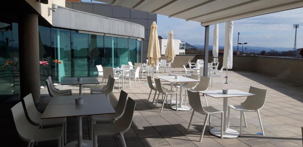 Un restaurante o sitio para comer en Sercotel Hola Tafalla