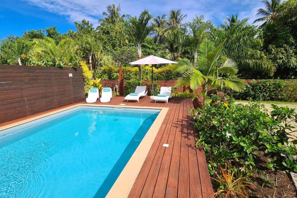 A piscina localizada em Villa Moana ou nos arredores