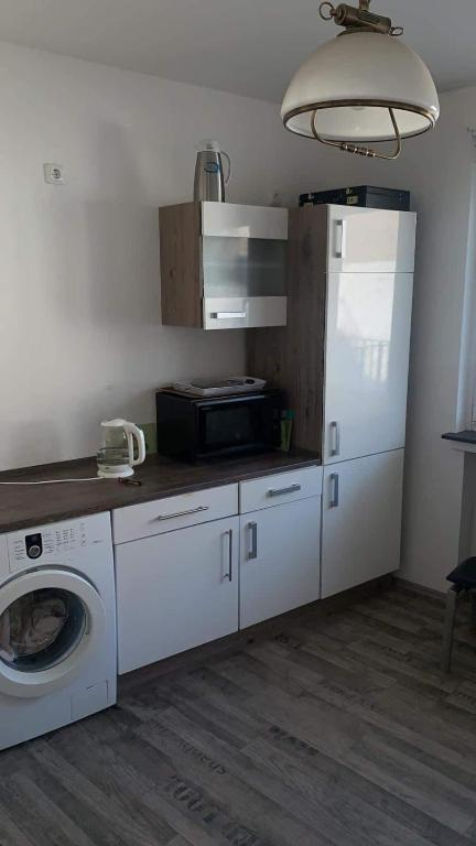 A kitchen or kitchenette at Wohnung Stadt Mitte Aachen