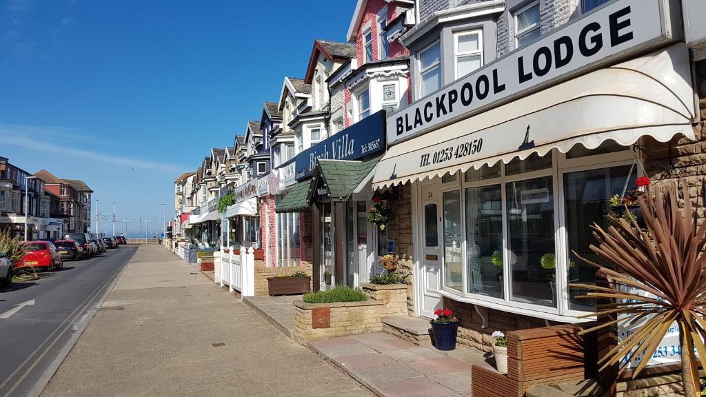 Blackpool Lodge - Laterooms