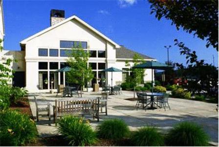 The Hampton Inn & Suites Binghamton/Vestal.
