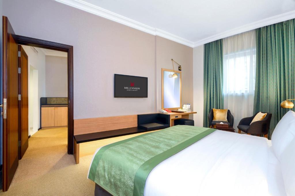 Cama ou camas em um quarto em M Hotel Al Dana Makkah by Millennium