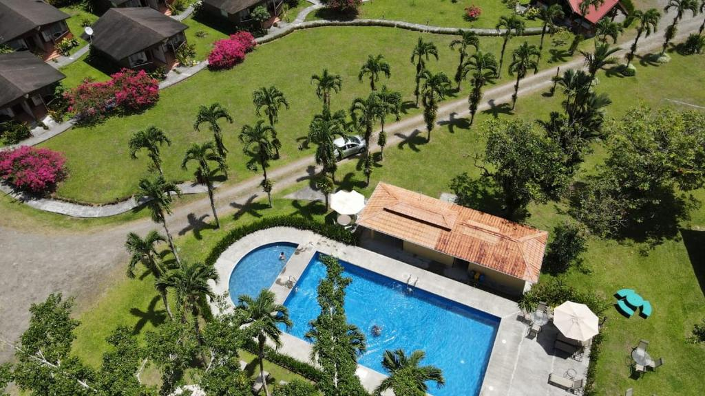 Vista de la piscina de Hotel Eco Arenal o alrededores