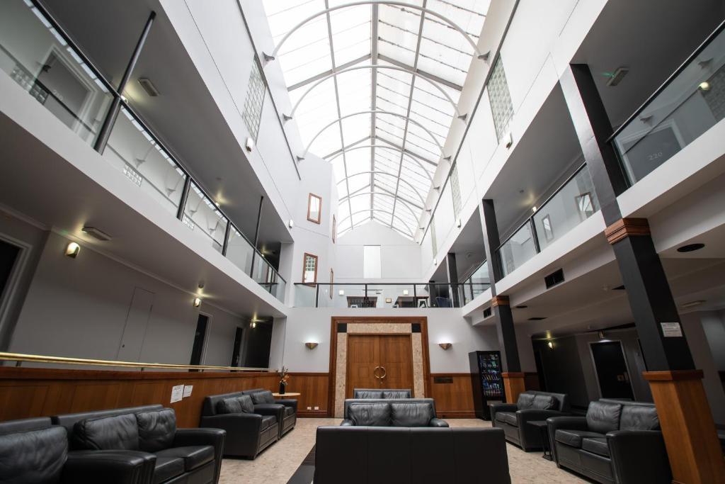Lobby/Rezeption in der Unterkunft Capital Executive Apartment Hotel