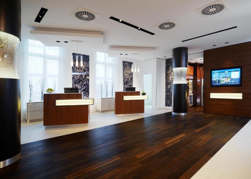 Courtyard by Marriott Cologne - Laterooms