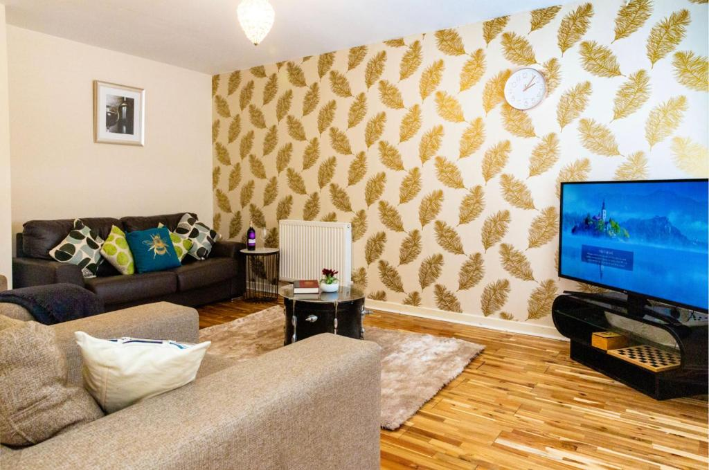 A seating area at Graceful Home Away Sittingbourne