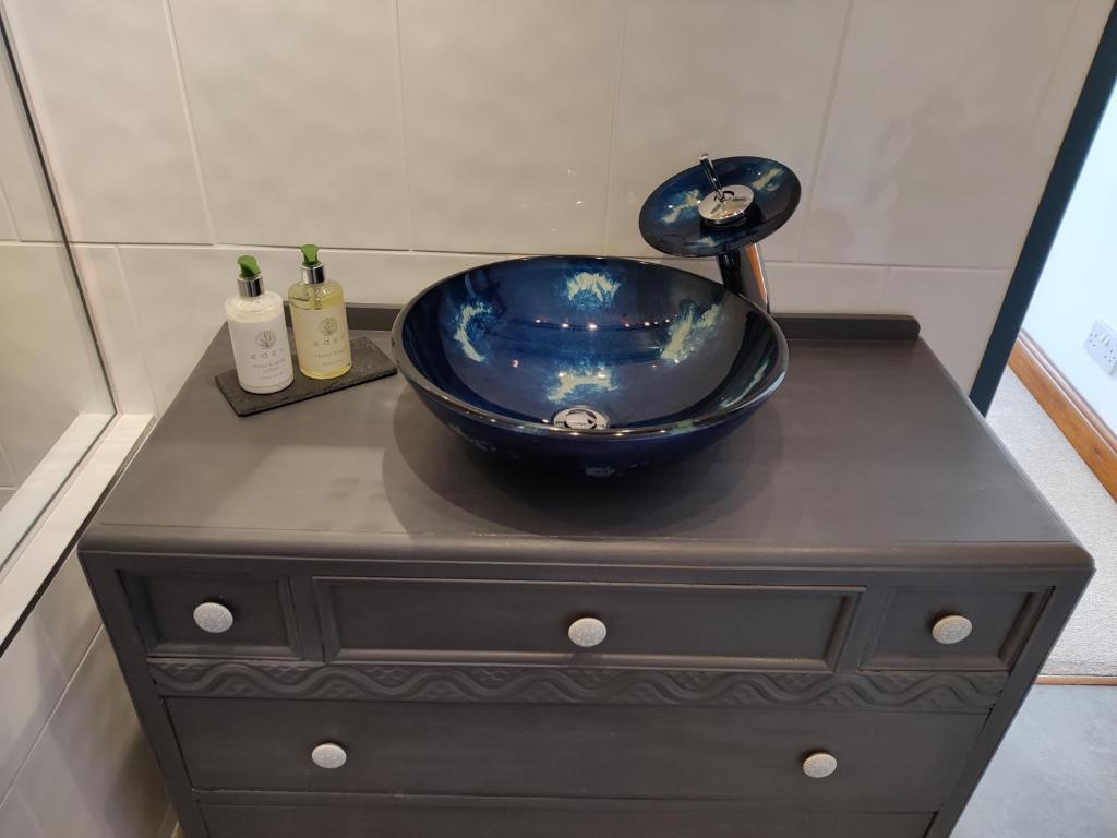 A bathroom at White Horse Inn