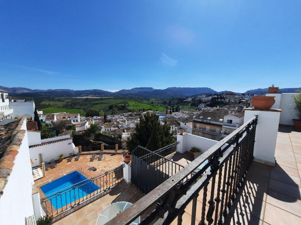 A view of the pool at Apartamentos Avanel or nearby