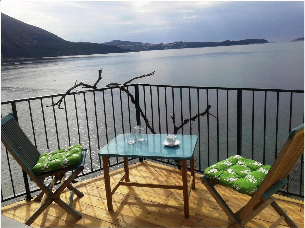 A balcony or terrace at Robinzon Flora & Fauna