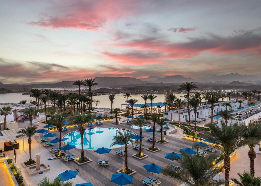 Uitzicht op het zwembad bij Albatros Sharm- Families and couples only of in de buurt