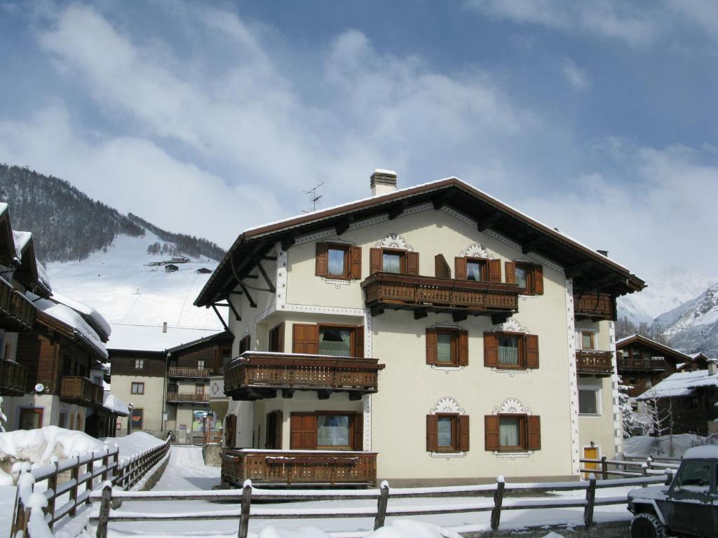 Residence L'Arcobi v zimě