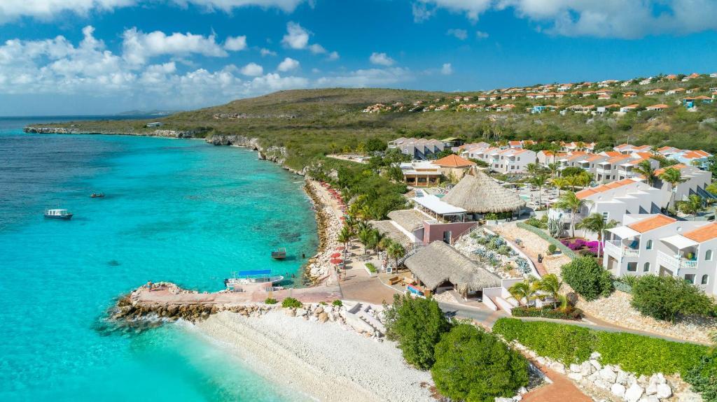 Uma vista aérea de Coral Estate Luxury Resort