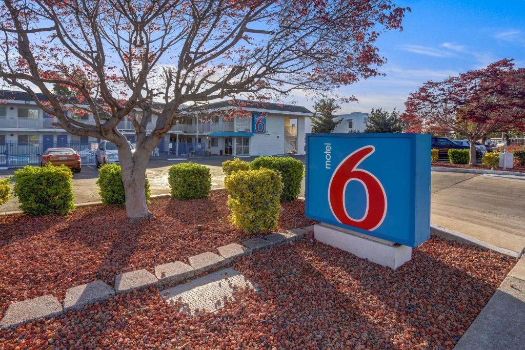 Motel 6 Napa - Laterooms