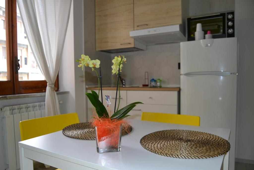 A kitchen or kitchenette at Alleria Holiday Home