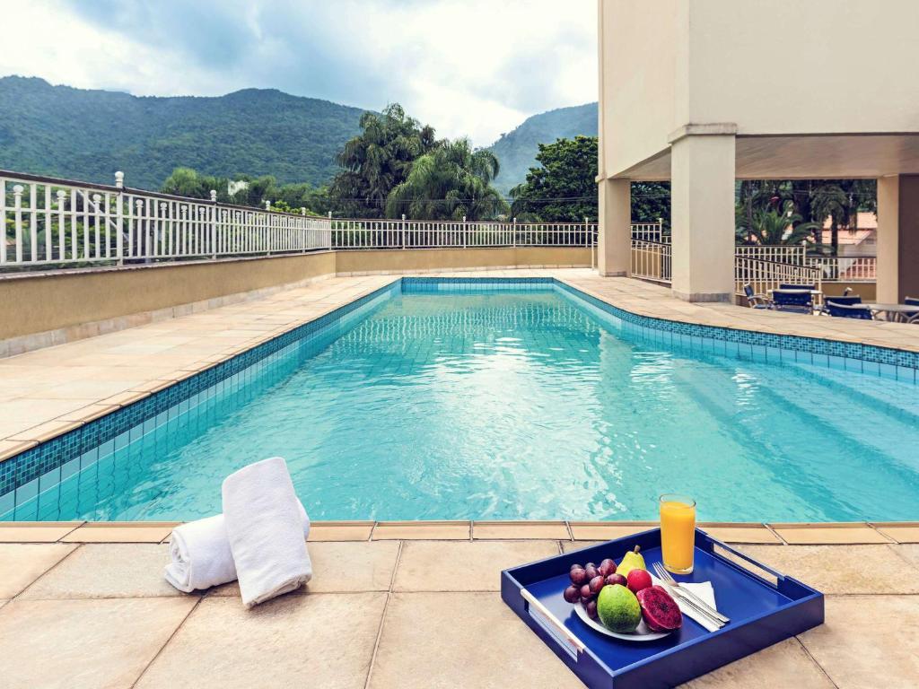 The swimming pool at or near Mercure Jaragua do Sul