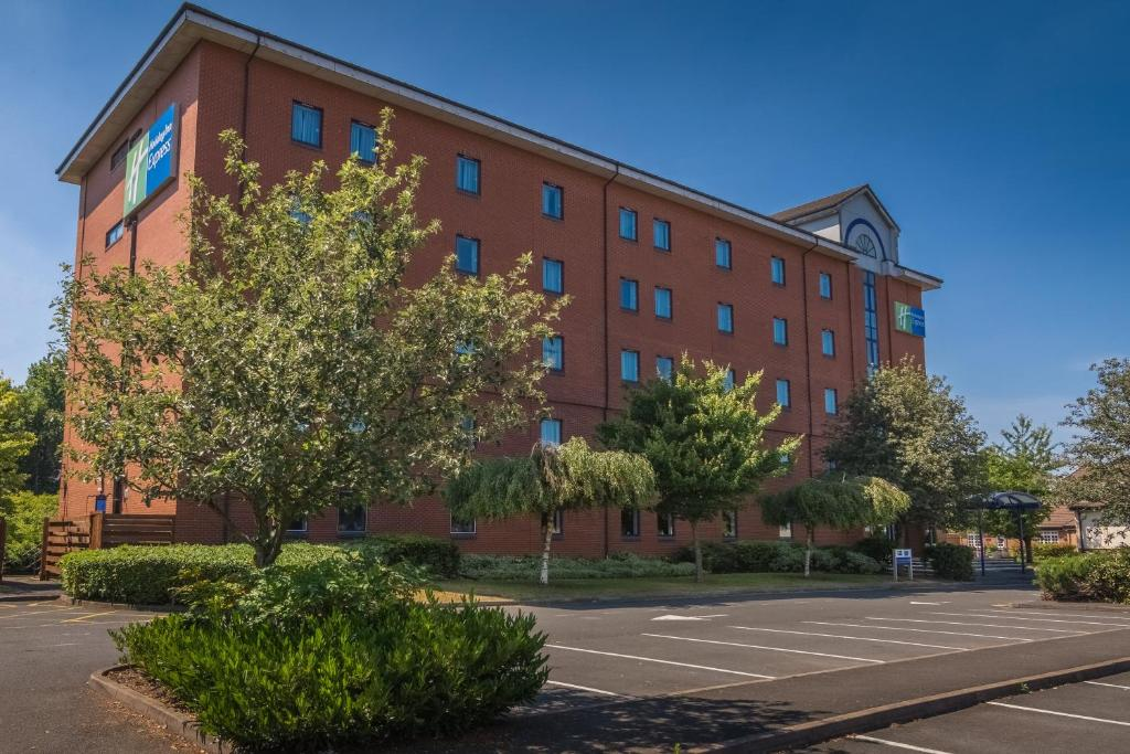 Holiday Inn Express BIRMINGHAM - CASTLE BROMWICH - Laterooms