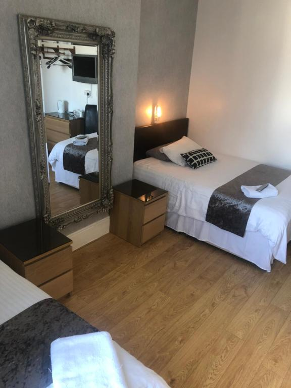 The Avala Guest House - Laterooms