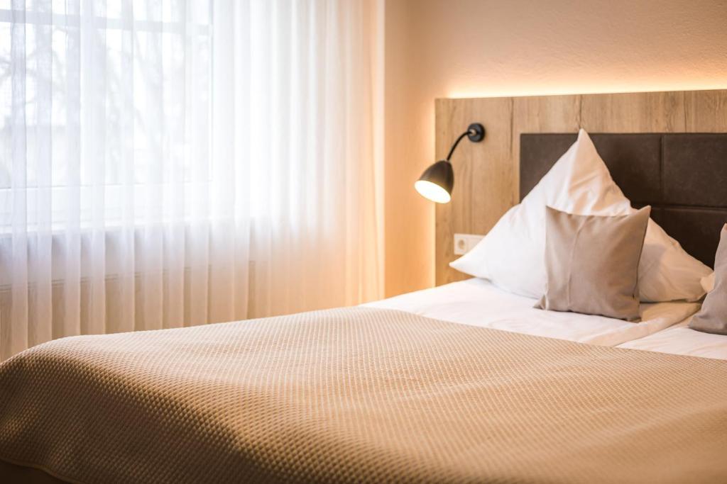 Hotel Und Weinstube Lehn Nieder-Saulheim, Germany