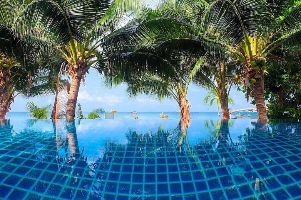 The swimming pool at or near Seashell Resort Koh Tao