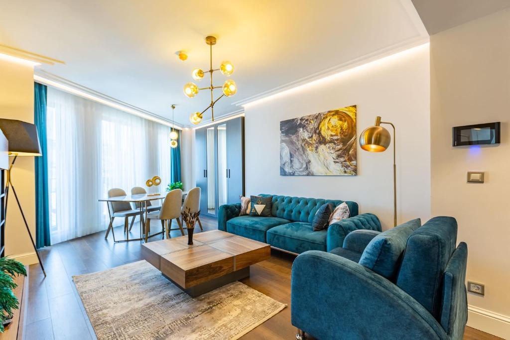 1 Br Luxury Flat
