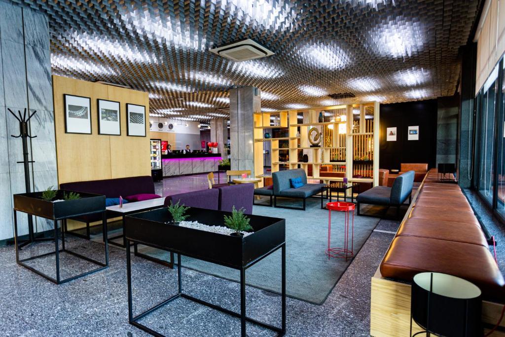 The lobby or reception area at AZIMUT Hotel Siberia