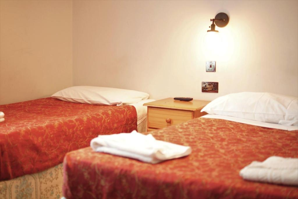 Plaza Hotels - Laterooms