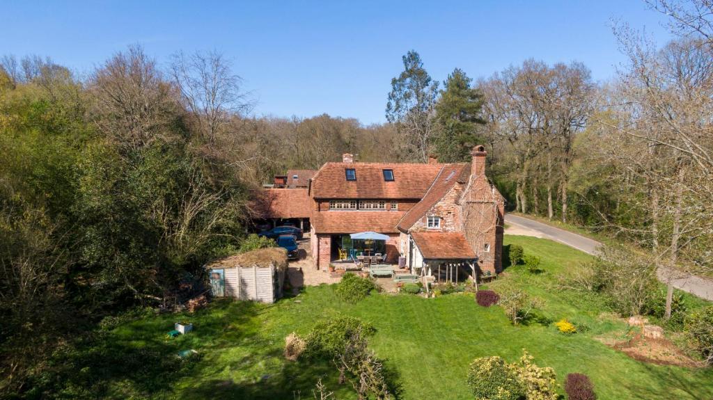 A bird's-eye view of Walnut Tree Cottage
