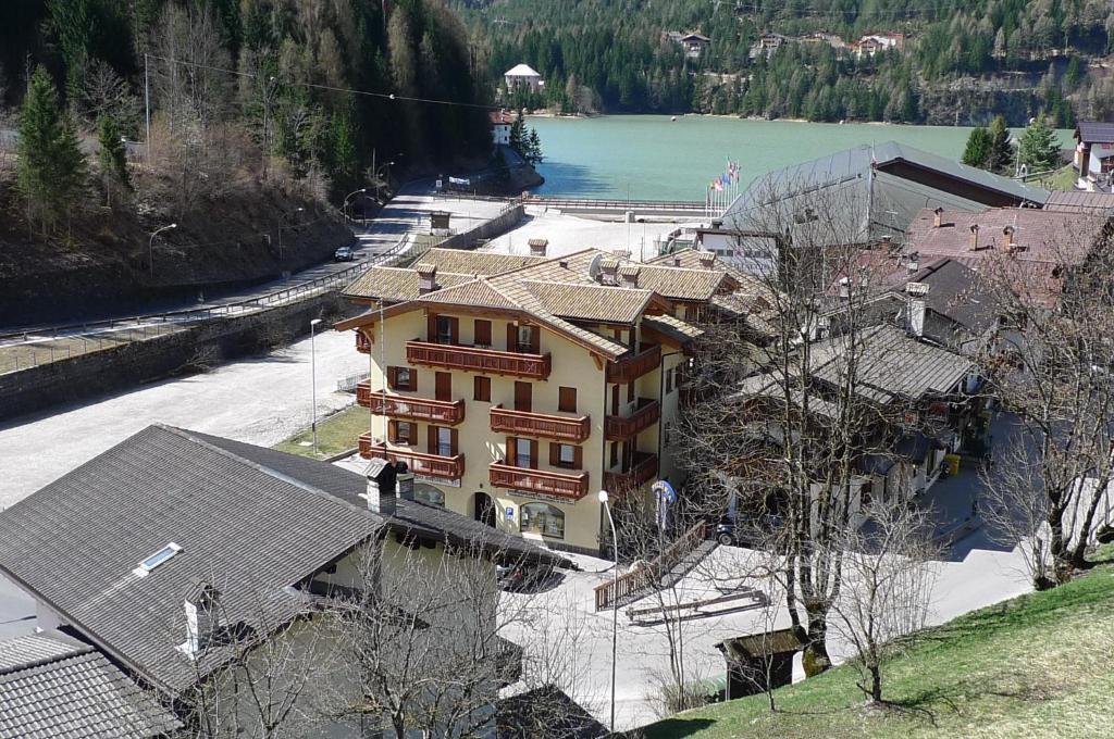 A bird's-eye view of Casa NeveXenne & La Casa di Blek