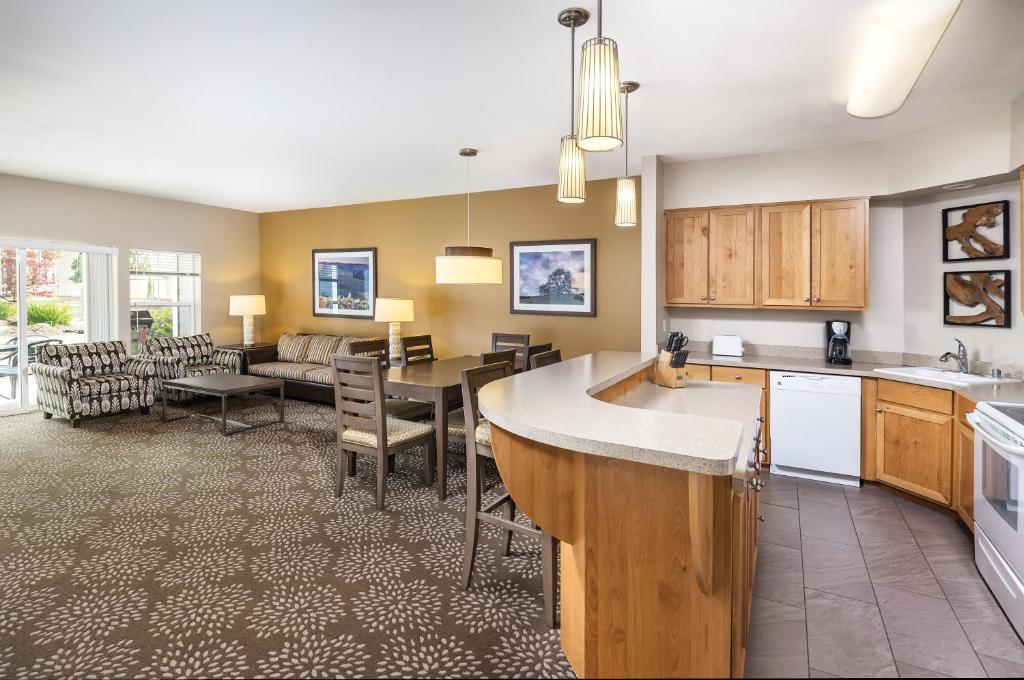 An apartment at the WorldMark Windsor.