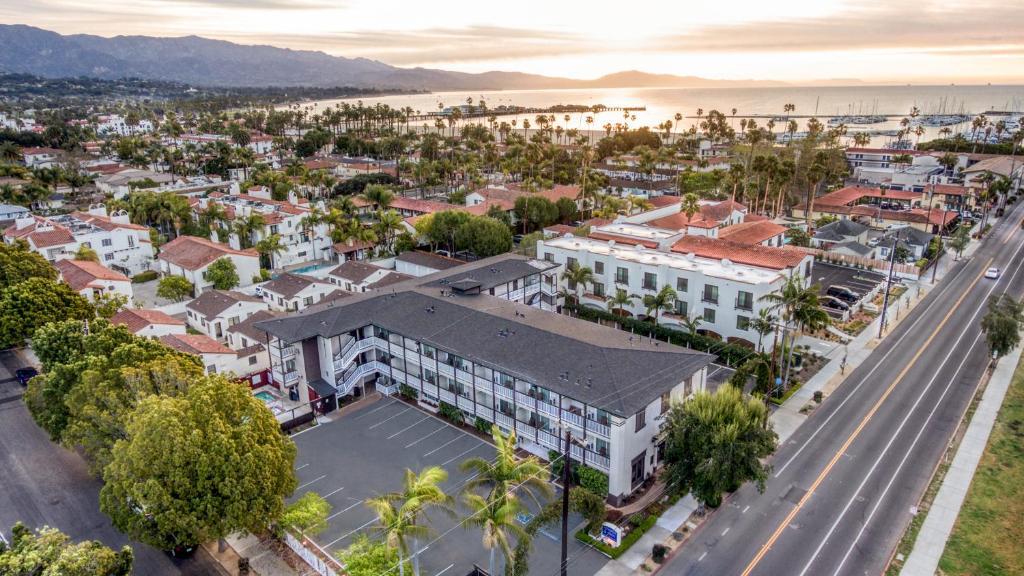 A bird's-eye view of Avania Inn of Santa Barbara