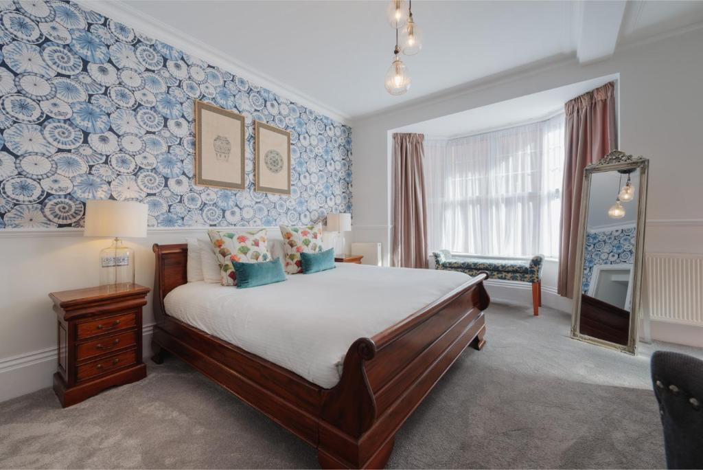Florence Suite Boutique Hotel and Restaurant in Portsmouth, Hampshire, England