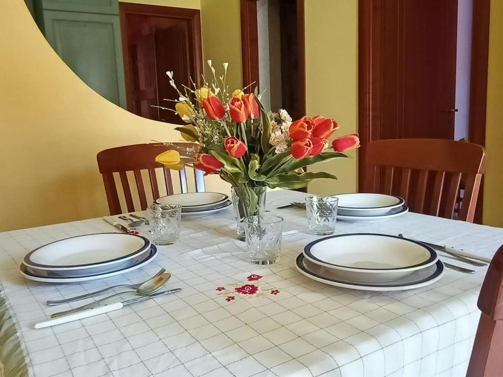 A restaurant or other place to eat at Mediterraneo Appartaments