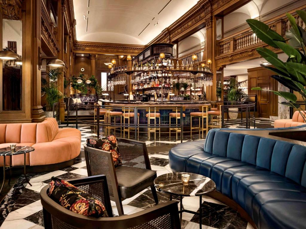 The lounge or bar area at Fairmont Olympic Hotel