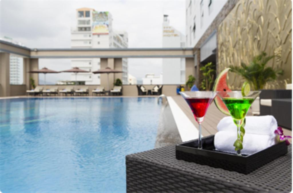 The swimming pool at or close to Tony Luxury Apartment - Venue Stay