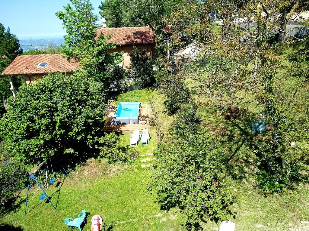 House with 3 bedrooms in Monteciccardo with private pool furnished terrace and WiFi 13 km from the beach
