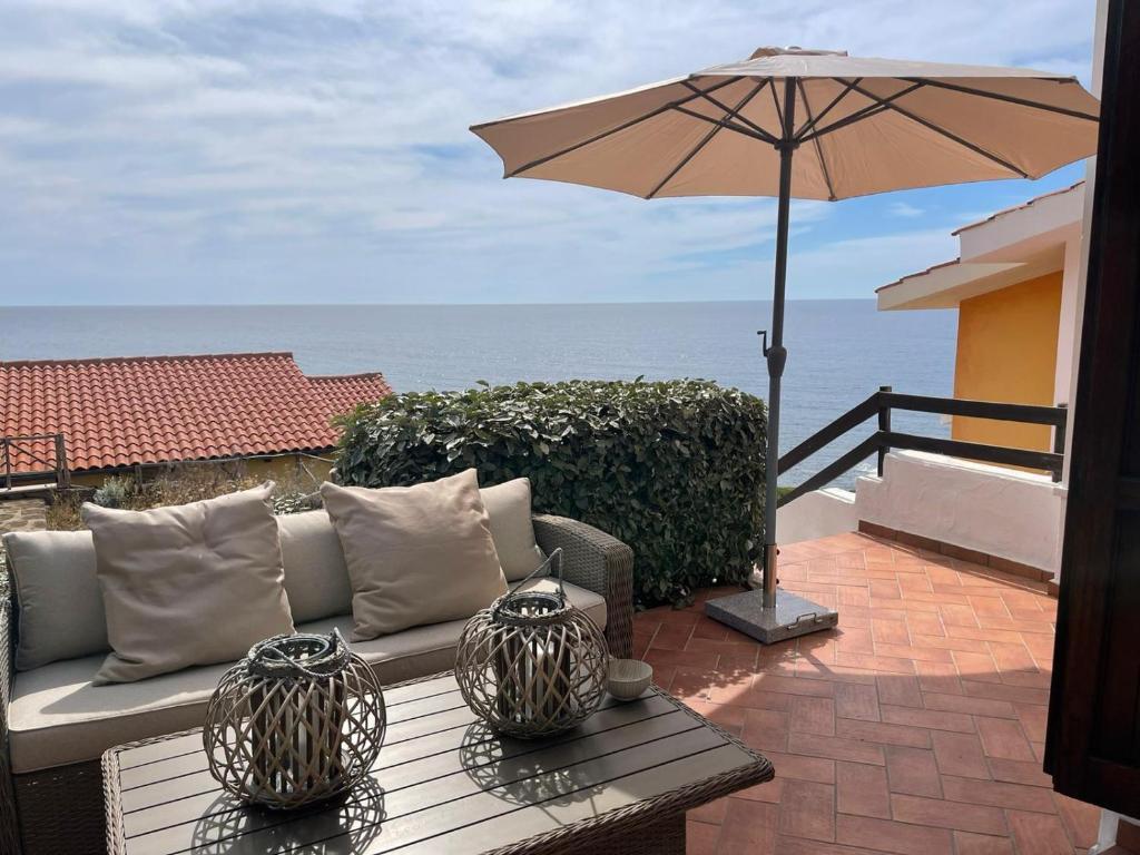 A balcony or terrace at Casa De S'Arca