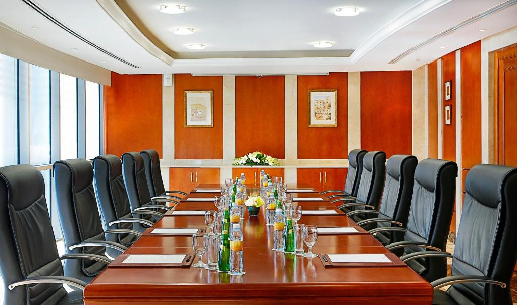 The business area and/or conference room at City Seasons Hotel Dubai