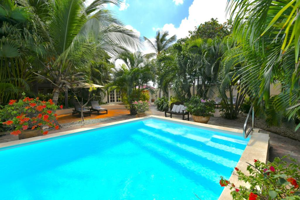 The swimming pool at or near Wonders Boutique Hotel