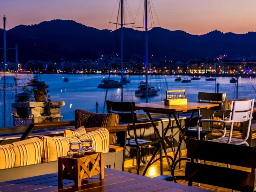 A restaurant or other place to eat at Sunset Boutique Hotel Marmaris