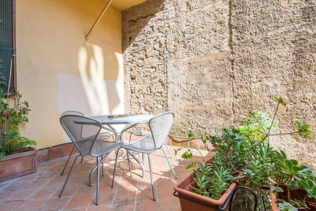 A porch or other outdoor area at Ghetto Enchanting Terrace