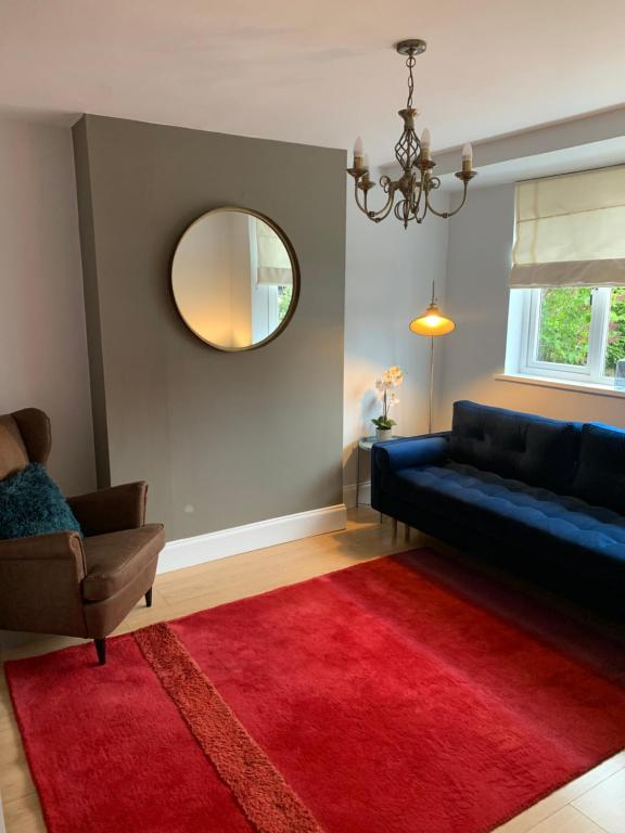 A seating area at BEAUTIFUL SEMI DETACHED WITH PRETTY GARDEN