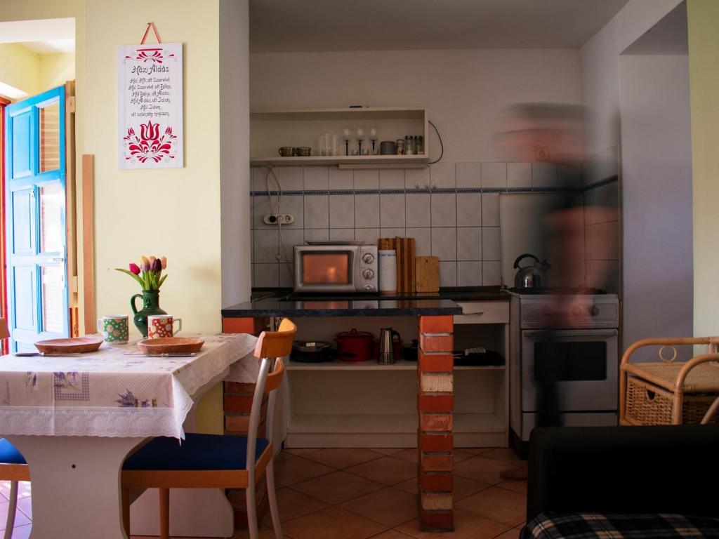 A kitchen or kitchenette at Eszti Mama Vendégháza