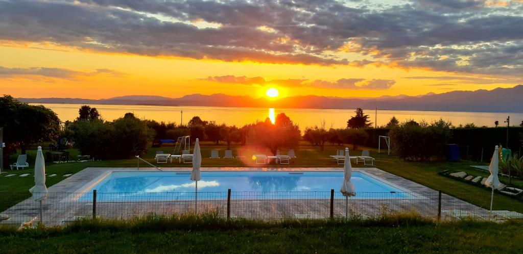 The swimming pool at or close to Agriturismo Al-Bor