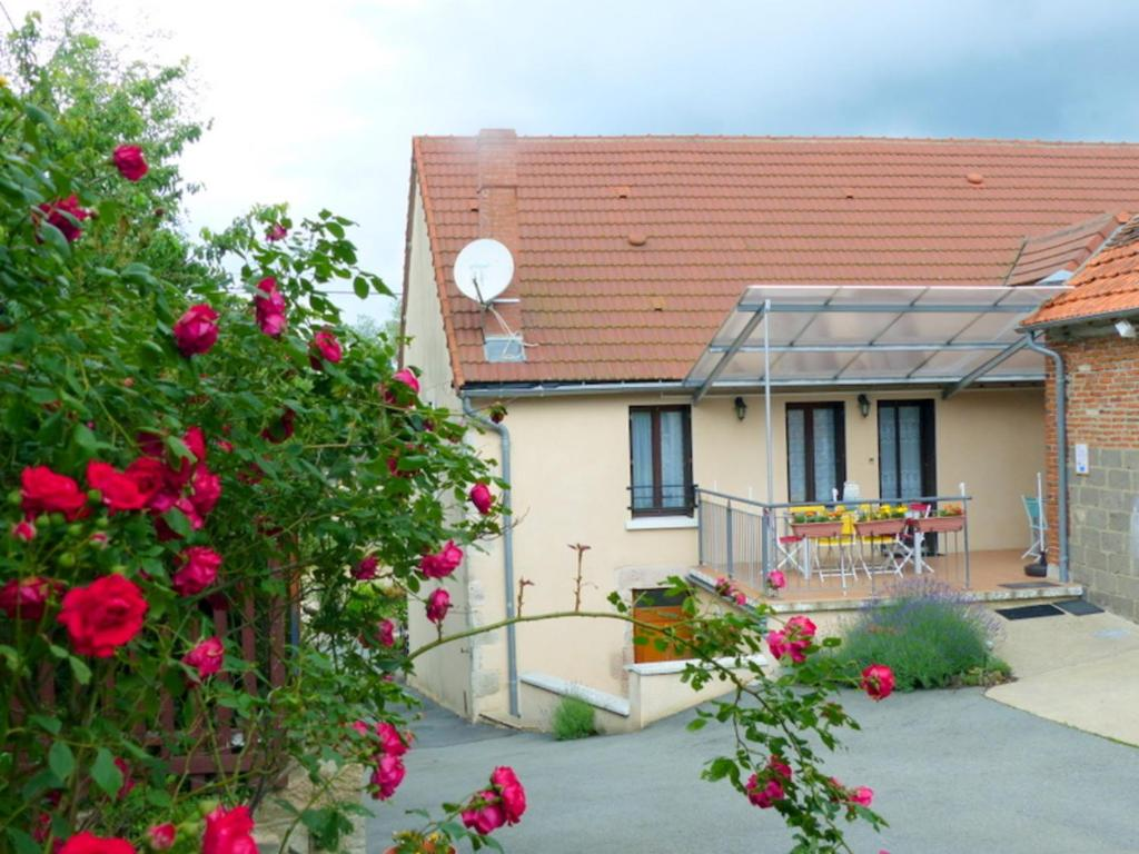 Gîte Louroux-de-Bouble, 5 pièces, 12 personnes - FR-1-489-214