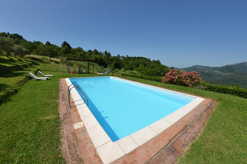 San Martino in Freddana-Monsagrati Villa Sleeps 8